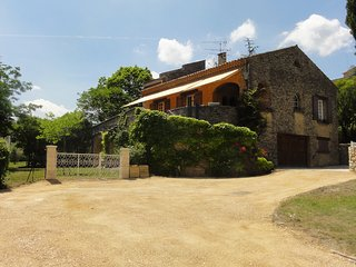 Charming villa for 7 people with swimming-pool in the Lubéron area of Provence