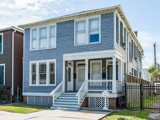 Dog-friendly home in historic neighborhood - near shops & trolley station