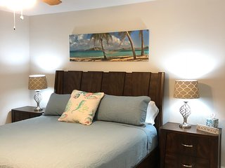 Clean beach condo discounted now. All new. 2/2 walk to the beach, free bikes