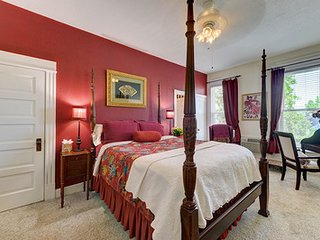 The St. Mary's Inn - Aspen Suite