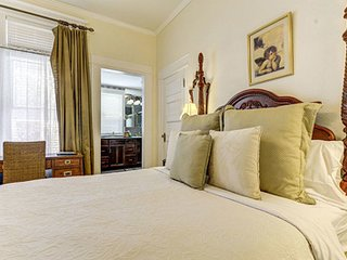 The St. Mary's Inn - Linden Suite