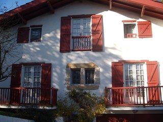 Saint jean de Luz : Appartement F3 2* dans maison. Accès internet