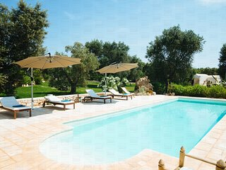 Trulli Geco Sognante: Countryside Trulli with Pool