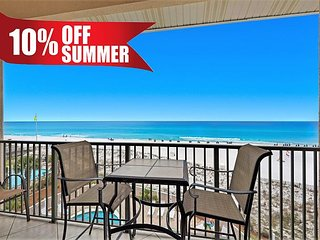 20% OFF Summer! BEACH FRONT Updated, Gulf View Pool, FREE Beach Service+Perks