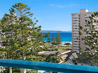 Border Terrace Unit 13 - Large apartment walk to beaches and clubs