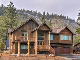 Bear Mountain Lodge - Shuffleboard, Arcade, Jacuzzi - BRAND NEW HOUSE