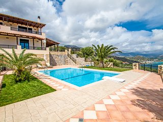 Stunning sea views,Private pool,Lawn area,Next to amenities,5 minutes to Beach