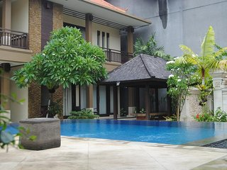 D'Kubu Legian Villa and Guest House