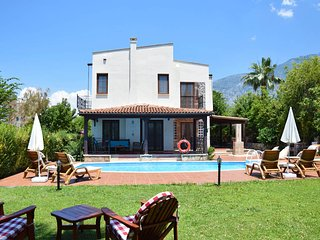 Centrally located 3 bedroom Villa Milda at Hisaronu with private pool.