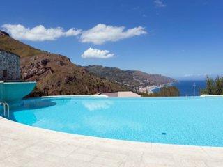 PANORAMIC SAN GIORGIO with Terrace Pool + Parking