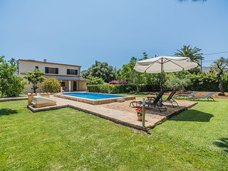 Villl with private pool walking distance to the town (Las Palmeras)