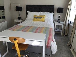 Smart flat in Central Cheltenham