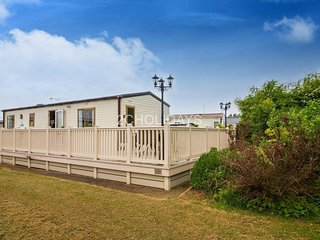 Berth D/G & C/H. Huge decking area. Pets welcome. Ref 23142