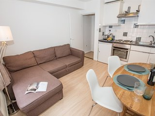 1 bed flat next to Oxford street!
