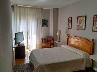 Habitación en doble con baño incluido y WiFi gratis