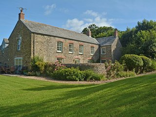 Trencreek Farmhouse - Holiday Cottages in Cornwall