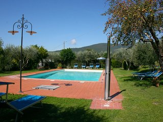 Scanizza Apartment Sleeps 6 with Pool and WiFi - 5490371