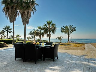 Villa 35m from the beach No13