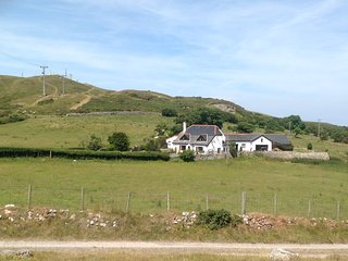 Self catering accomodation adjoining main farmhouse.