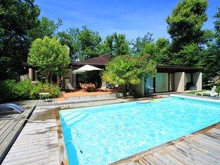 Villa golf de Bordeaux-Cameyrac, piscine et tennis - 8 à 11 personnes