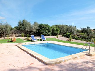 2 bedroom Villa in Sant Llorenç des Cardassar, Balearic Islands, Spain : ref 563