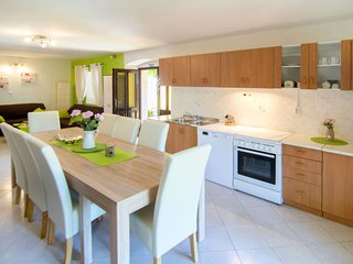 3 bedroom Apartment in Filipini, , Croatia : ref 5638291