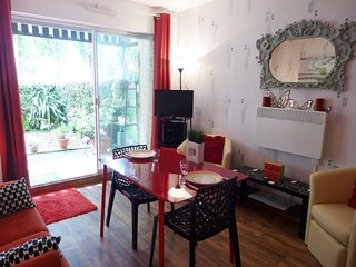2 bedroom Apartment in Villers-sur-Mer, Normandy, France : ref 5561744