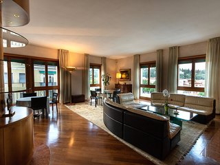 Nizza- Verona Journeys 3bedroom apartment in the city centre