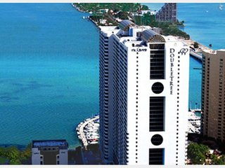 Spacious 3 bedroom Condo in the Heart of Miami