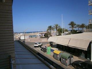 Magnifico apartamento en 1a Linea playa, 2 dormitorios, 2 banos, comedor-cocina