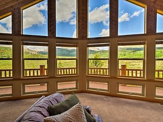 Home w/Mtn Views, Creek & Deck - 18 Miles to Breck