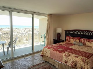 Gulf Front 3 BR / 3BTHRM Condo at Starboard Village on Fort Pickens Rd
