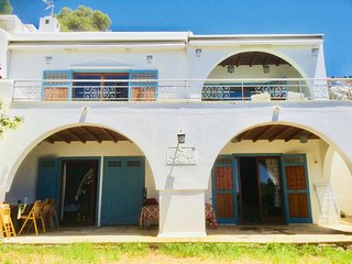 Traditional Greek Villa Althea, 200m from the beach