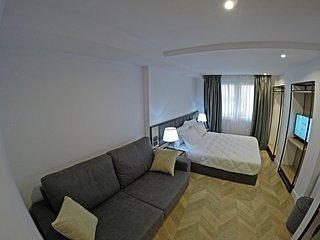Prime Hotel (Bedroom 3)
