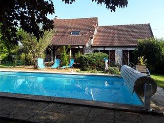 Maison de campagne climatisee avec piscine chauffée privée