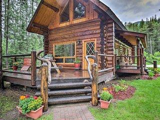 Glacier Park 2BR Log Cabin, 'Best in the West!'