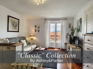 Ashley&Parker - 'CHAISE BLEUE ' - Top Floor - Very close sea