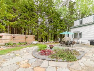 NEW LISTING! Charming home w/patio & gas grill- minutes to Acadia NP & shoreline