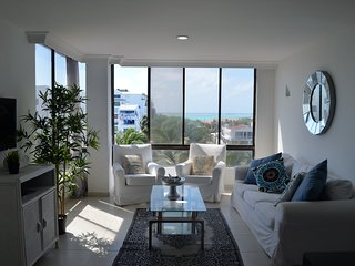 SEA VIEW APARTMENT / APARTAMENTO CON VISTA AL MAR