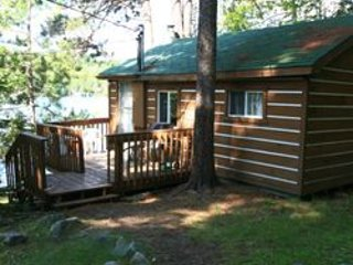 Cottage #1 - FAIRBANK LAKE RESORT - Over Looking the Lake - in Sudbury ON., holiday rental in Chelmsford