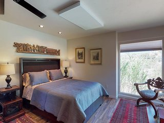 Secluded desert suite w/ gorgeous mountain views & private hiking trails