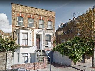 Bright & Stylish London Apartment, Zone 2, near Notting Hill & Portobello Market