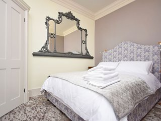East Walls Hotel , Chichester - Double - Room 5