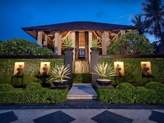 Beachfront Villa THE YLANG YLANG