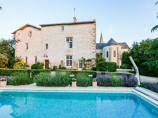 8 bedroom Villa in Pressigny, Nouvelle-Aquitaine, France : ref 5049782