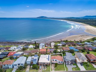 KITESURFER, Gerroa, Pay for 2, stay for 3 + 2pm checkout on Sundays!