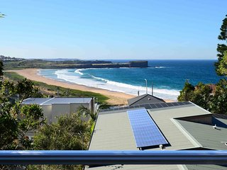 MARAMINGO, Kiama - great views of Bombo Beach, Kiama & Surrounds