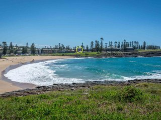 BLUE WAVES, Kiama - Pay for 2, stay for 3 + 2pm check out Sundays!  Kiama & Surr