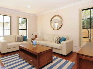 THE WATERS, Kiama- Comfortable, private, townhouse, Kiama & Surrounds