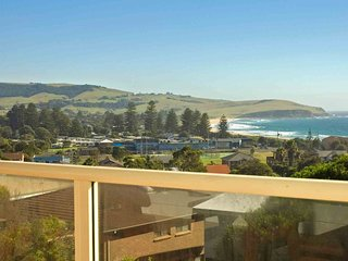 NOBLEVIEW, Gerringong -  4pm check out Sundays!